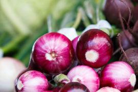 Rote Zwiebeln schneidne ohne tränen zu müßen